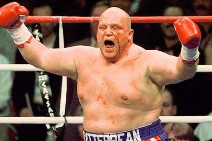 Eric Esch alias Butterbean, pernah jadi juara tinju, MMA, dan gulat profesional.