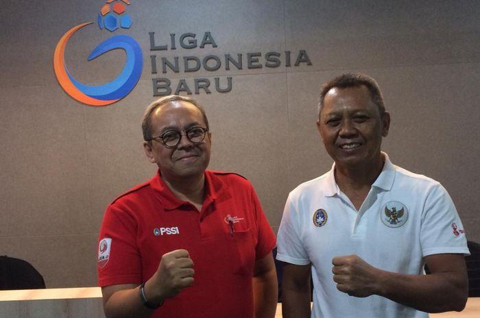 Direktur Utama PT LIB, Akhmad Hadian Lukita, bersama Direktur Operasional PT LIB, Sudjarno