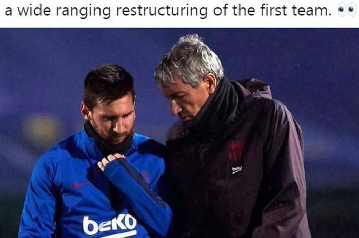 Megabintang Barcelona, Lionel Messi, berbicara dengan Quique Setien.