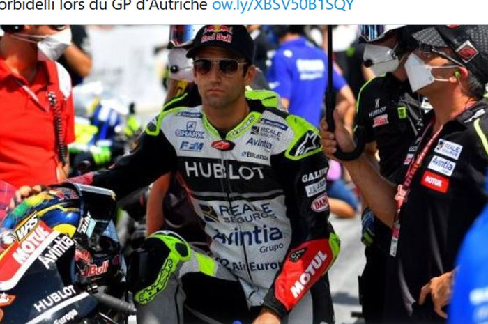 Pembalap Esponsorama Racing, Johann Zarco, mengalami cedera akibat insiden dengan Franco Morbidelli (Petronas Yamaha SRT) pada balapan MotoGP Austria di Red Bull Ring, 16 Agustus 2020.