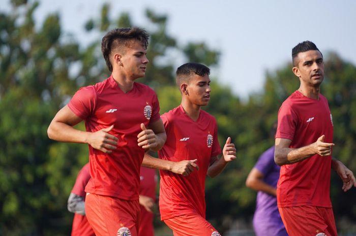 Thiago Apolina Pereira dan Maike Henrique Irine De Lima menjadi dua pemain baru yang mengikuti latihan Persija Jakarta
