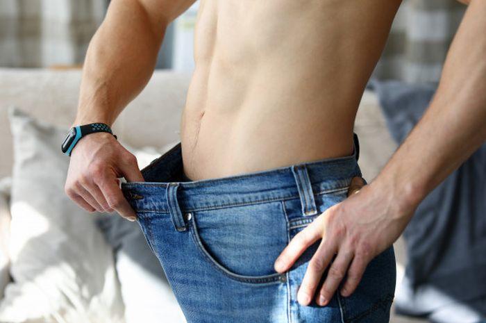 Menghilangkan lemak perut.