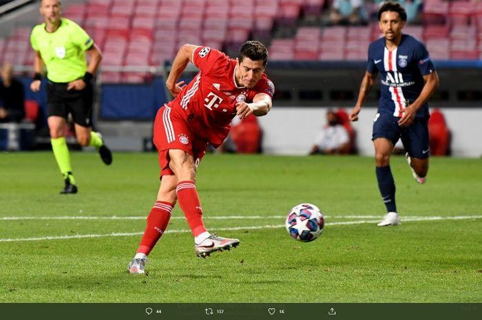 Striker Bayern Muenchen, Robert Lewandowski, dalam final Liga Champions melawan  PSG, Minggu (23/8/2020).