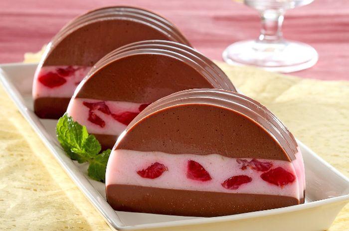 Resep Puding Cokelat Lapis Stroberi Ini Bikin Semua Terpana Untuk Mencobanya