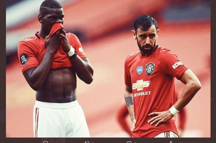 Gelandang Manchester United, Bruno Fernandes dan Paul Pogba.