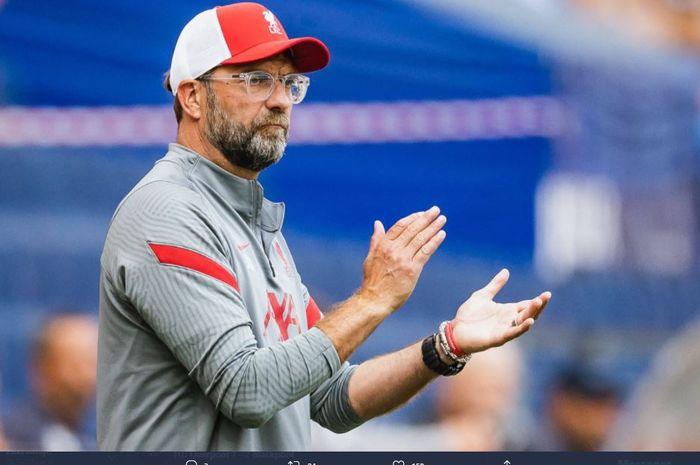 Juergen Klopp dalam laga persahabatan Liverpool vs Blackpool.