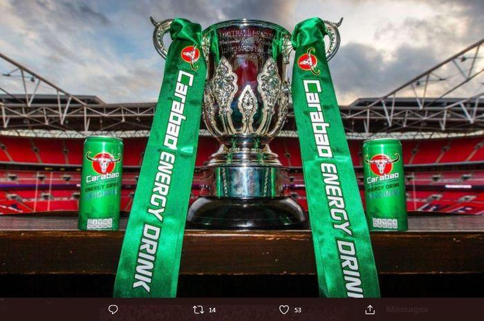 Trofi juara Piala Liga Inggris atau Carabao Cup.