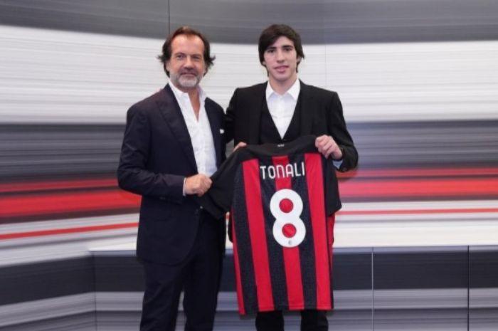 Minta Izin Pakai Nomor 8 AC Milan, Sandro Tonali Disuruh Gennaro Gattuso  Cepat Tua - Bolasport.com