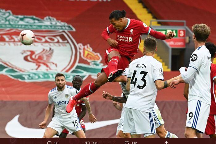 Proses terjadinya gol  bek Liverpool, Virgil van Dijk ke gawang Leeds United  pada laga perdana Liga Inggris 2020-2021 di Stadion Anfield, Sabtu (12/9/2020).
