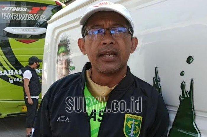 Pelatih Persebaya, Aji Santoso setelah latihan Persebaya di Stadion Pusaka, Wiyung, Surabaya, Senin (14/9/2020).