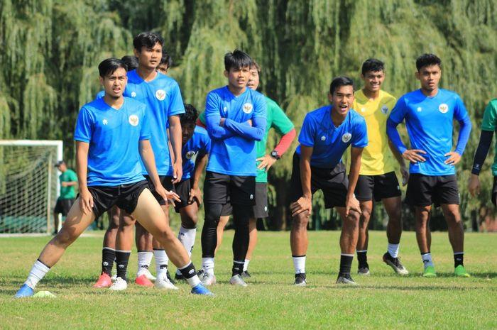 Timnas U-19 Indonesia asuhan Shin Tae-yong berlatih jelang melawan Qatar pada laga uji coba.