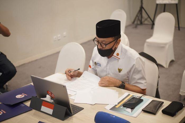 Ketua Umum PSSI, Mochamad Iriawan, melakukan penandatanganan MoU Penyelenggaraan Olahraga yang Aman dari Covid-19 dengan BNPB secara virtual, Kamis (17/9/2020)