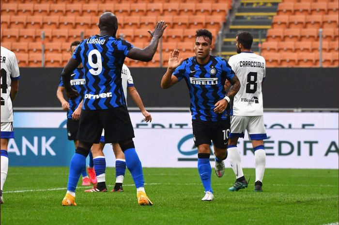 Romelu Lukaku dan Lautaro Martinez, mencetak 11 gol dalam 3 laga uji coba Inter Milan.