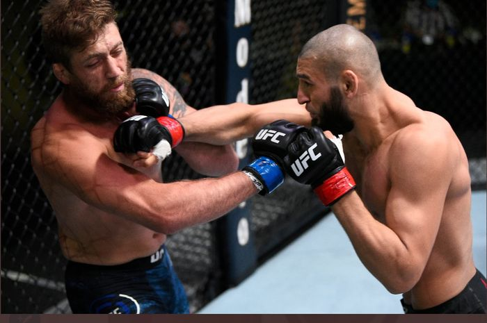 Khamzat Chimaev, meng-KO Gerald Meerschaert dalam 17 detik di UFC Fight Night 178, Minggu (20/9/2020) pagi WIB.
