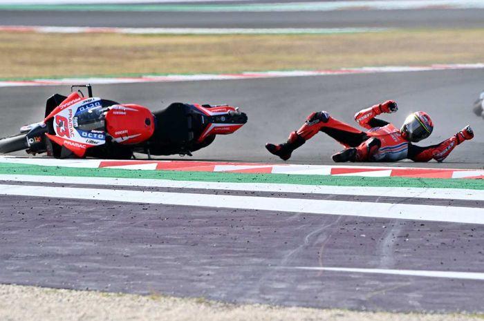 Murid Valentino Rossi, Francesco Bagnaia bingung kenapa bisa terjatuh saat memimpin MotoGP Emilia Romagna 2020.
