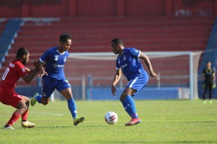 Pertandingan uji coba Persik Kediri Melawan Martapura FC di Stadion Brawijaya Kediri Rabu (23/9/2020).
