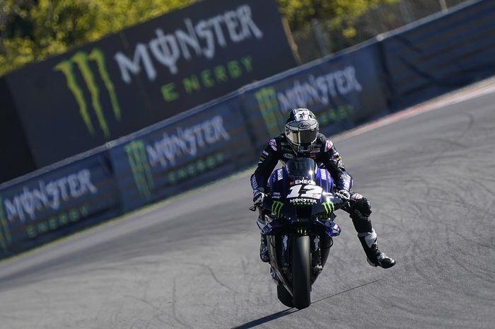 Pembalap Monster Energy Yamaha, Maverick Vinales, saat sesi latihan bebas MotoGP Catalunya di Sirkuit Catalunya, Spanyol, 25 September 2020.