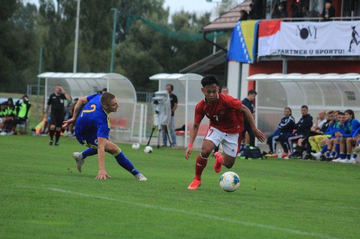 Aksi pemain timnas U-19 Indonesia saat melawan Bosnia Herzegovina pada Jumat (25/9/2020) di Kroasia.