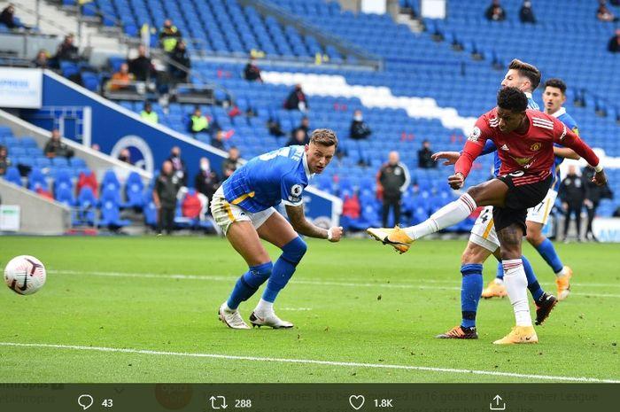 Tendangan pilar andalan Manchester United, Marcus Rashford, ke gawang Brighton, Sabtu (26/9/2020) pukul 18.30 WIB.
