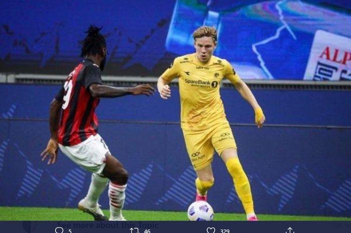 Aksi penyerang Bodo/Glimt, Jens Petter Hauge, saat menghadapi AC Milan di Liga Europa.