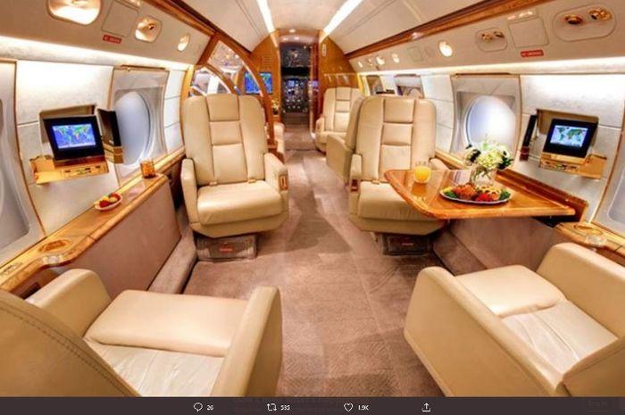 Isi di dalam pesawat jet pribadi megabintang Barcelona, Lionel Messi.
