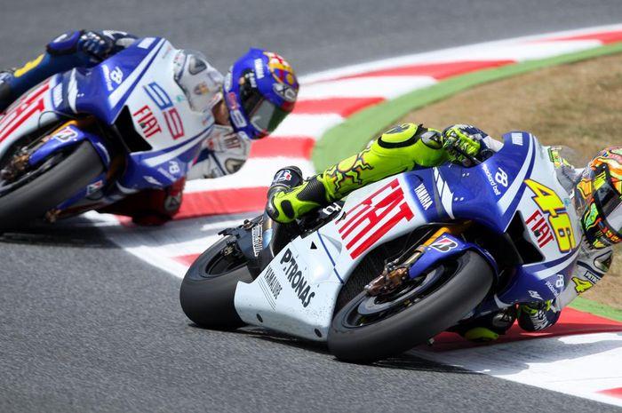 Valentino Rossi dan Jorge Lorenzo satu tim di Fiat Yamaha musim MotoGP 2009.