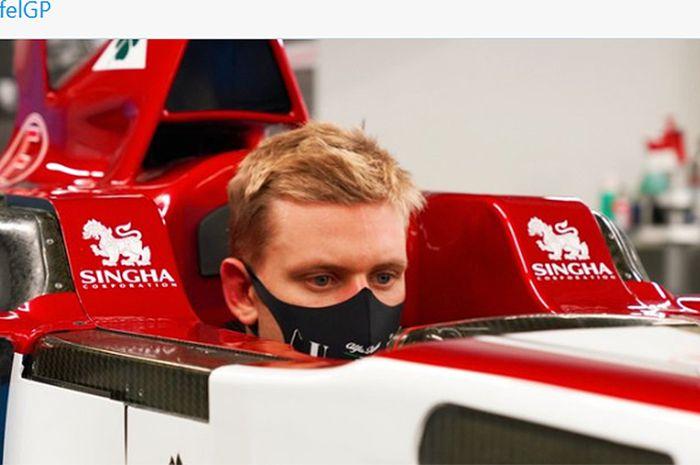 Alfa Romeo Pertahankan Line Up Pembalap Putra Michael Schumacher Gagal Ke F1 Bolasport Com
