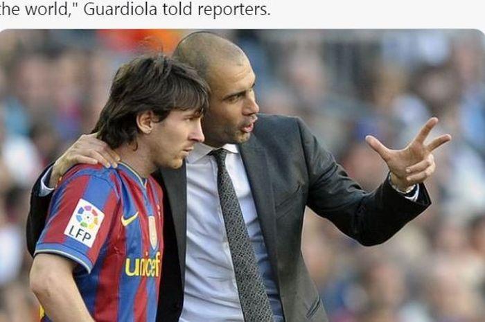 Megabintang Barcelona, Lionel Messi, mendengarkan instruksi dari Pep Guardiola.