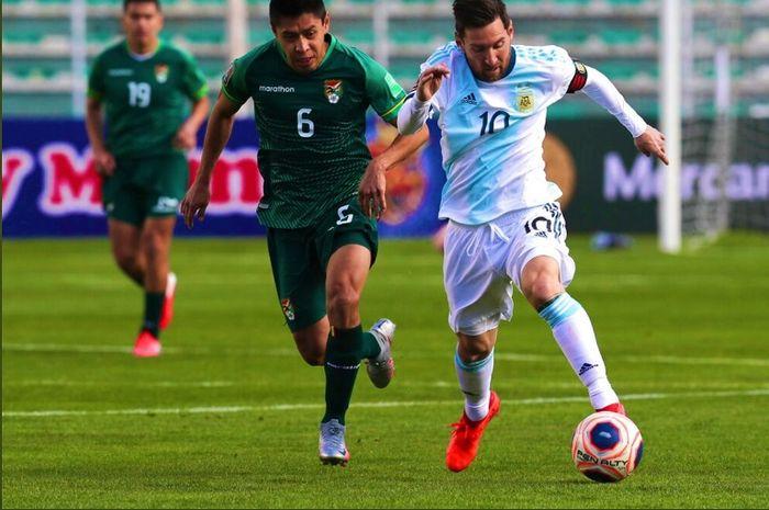 Aksi megabintang timnas Argentina, Lionel Messi, dalam duel kontra Bolivia pada Selasa (13/10/2020).