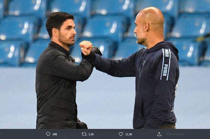 Pelatih Arsenal, Mikel Arteta (kiri), bersua kembali dengan eks mentornya, Pep Guardiola, yang menukangi Manchester City.