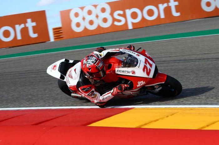 Pembalap Idemitsu Honda Team Asia, Andi Farid Izdihar saat tampil pada hari pertama Moto2 Aragon 2020, Jumat (16/10/2020)