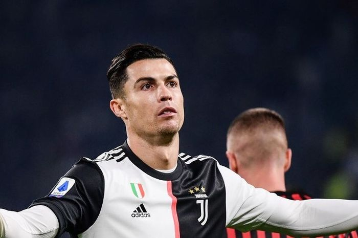 Megabintang Juventus, Cristiano Ronaldo, saat tampil pada laga Juventus vs AC Milan, di Allianz Stadium, Minggu (10/11/2019