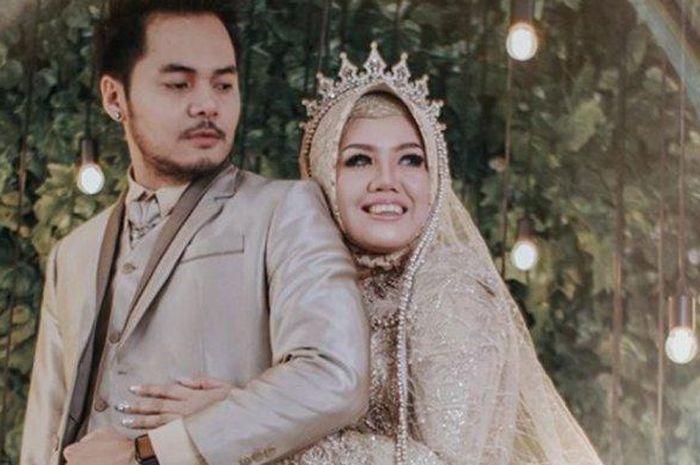 Elly Sugigi minta dinikahi sang kekasih