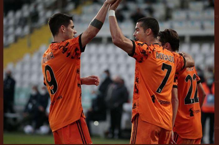 Alvaro Morata dan Cristiano Ronaldo menjadi aktor kemenangan Juventus atas Ferencvaros dalam laga Grup G Liga Champions, 4 November 2020.