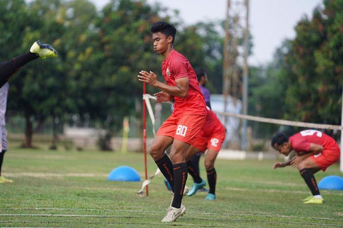 Pemain muda Persija Jakarta, Muhammad Ferrari sedang menjalani latihan