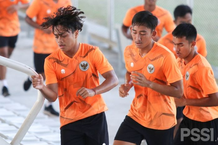 TC timnas U-19 Indonesia di Stadion Madya, Jakara, Senin (16/11/2020).