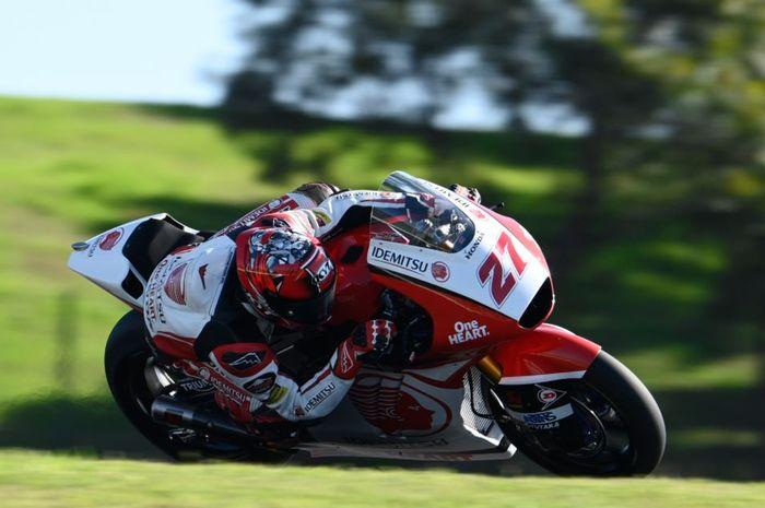 Pembalap Indonesia, Andi Farid Izdihar saat tampil pada hari pertama Moto2 Portugal 2020, Jumat (20/11/2020)