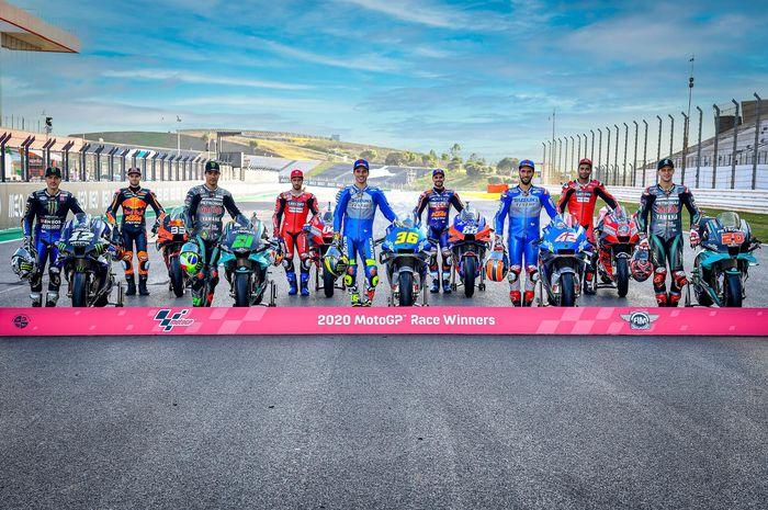 Pembalap MotoGP 2020 berpose jelang GP Portugal di Sirkuit Internasional Algarve, Portimao.
