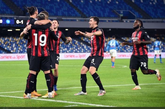 Pemain AC Milan merayakan gol Sladon Ibrahimovic ke gawang Napoli dini hari Minggu (22/11/2020) dini hari Minggu (22/11/2020) dini hari, sekuel Liga Italia 2020-2021.