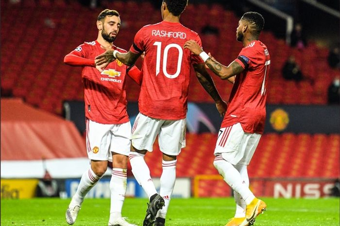 Bruno Fernandes dan Marcus Rashford ketika Manchester United menjamu Istanbul Basaksehir pada matchday keempat fase grup Liga Champions 2020-2021.