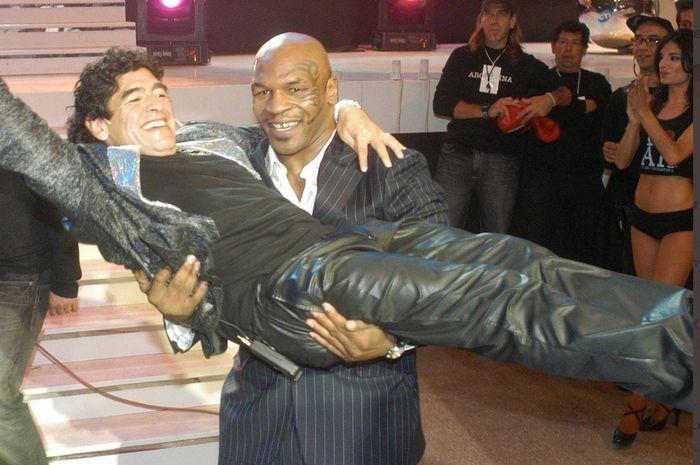 Diego Maradona dan Mike Tyson.