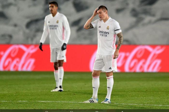 Dua nasib berbeda dialami tim ibu kota di Liga Spanyol dengan Atletico Madrid belum pernah kalah, sementara Real Madrid sudah menelan tiga kekalahan.