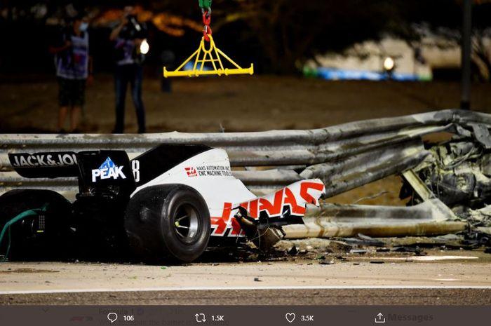 Insiden pembalap Haas, Romain Grosjean pada sesi balapan F1 GP Bahrain 2020, Minggu (29/11/2020)