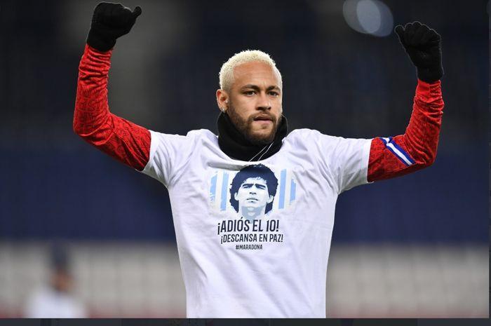Penyerang Paris Saint-Germain (PSG), Neymar, berhasil membuat sejarah baru di Liga Champions usai membobol gawang Istanbul Basaksehir.