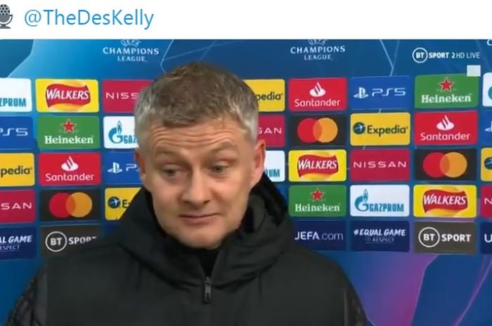 Ekspresi pelatih Manchester United, Ole Gunnar Solskjaer, seusai laga Grup H Liga Champions kontra Paris Saint-Germain di Stadion Old Trafford, Rabu (2/12/2020).