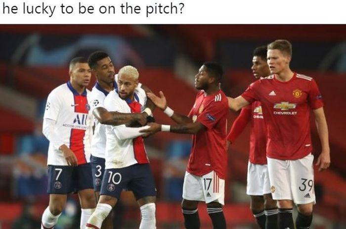 Manchester United tamat dalam dua menit karena kartu merah, sedangkan Paris Saint-Germain pesta dalam laga Grup H Liga Champions di Stadion Old Trafford.