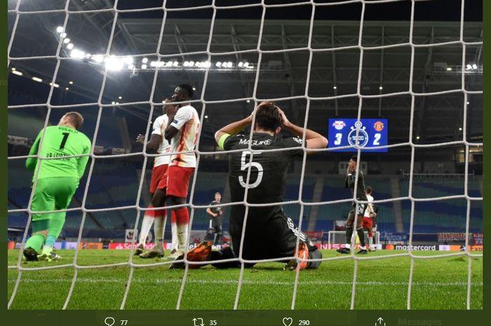 Kapten Manchester United, Harry Maguire, harus rela timnya dikalahkan RB Leipzig di Liga Champions, 8 Desember 2020.