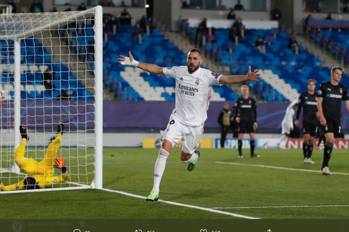 Selebrasi Karim Benzema usai menjebol gawang Borussia Moenchengladbach pada laga pamungkas Grup B Liga Champions 2020-2021.