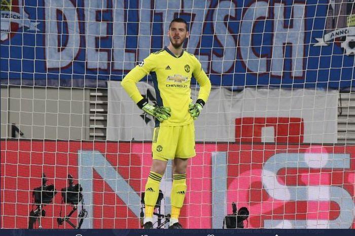 David de Gea mendapat sorotan setelah gawangnya dijebol tiga kali dengan mudah oleh RB Leipzig pada laga pamungkas Grup H yang berkesudahan  dengan kekalahan 2-3 bagi Manchester United di Liga Champions.