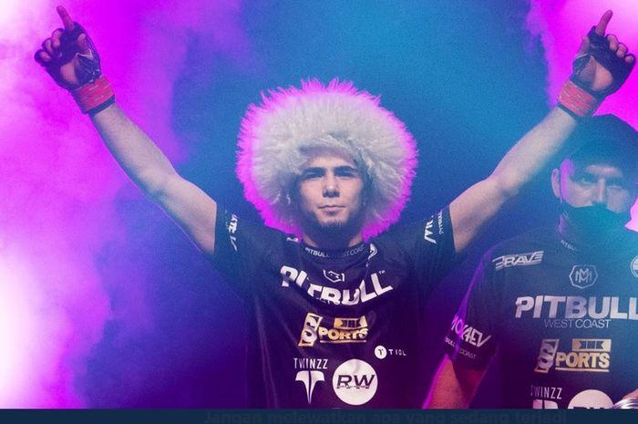 Petarung MMA, Muhammad Mokaev, kerap disebut sebagai titisan pensiunan jagoan UFC, Khabib Nurmagomedov.